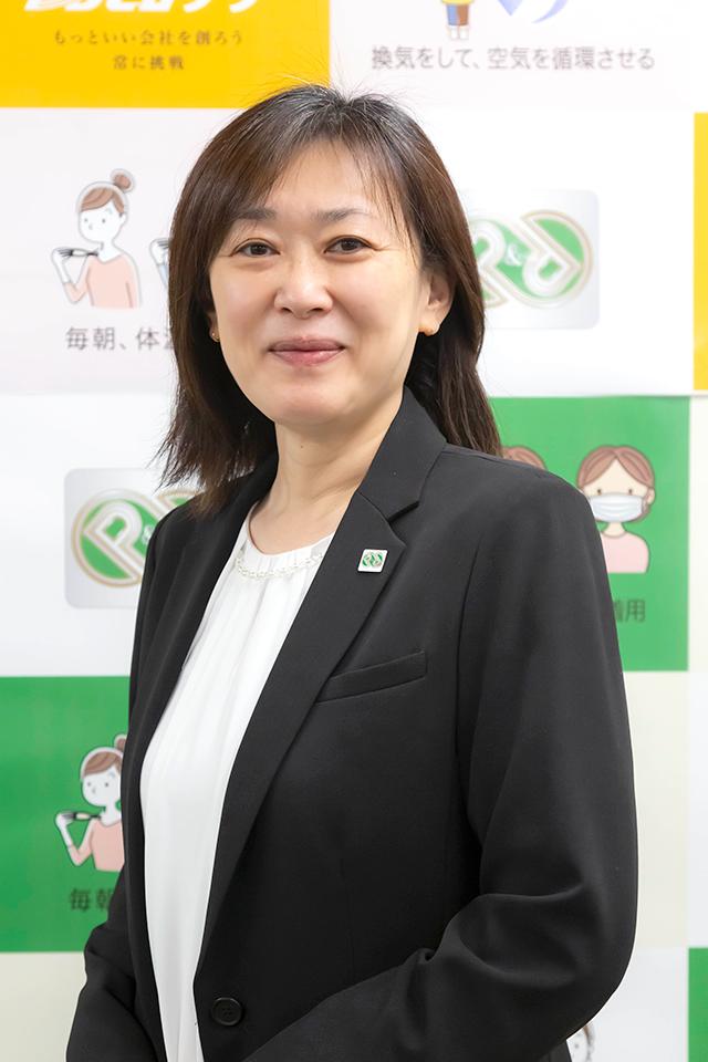 役員紹介-執行役員CS管理部長 金沢倫子